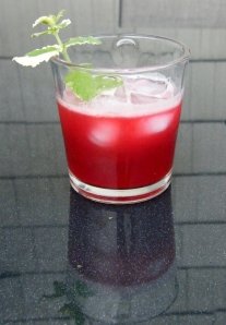 Homemade Blackberry Mint Lemonade